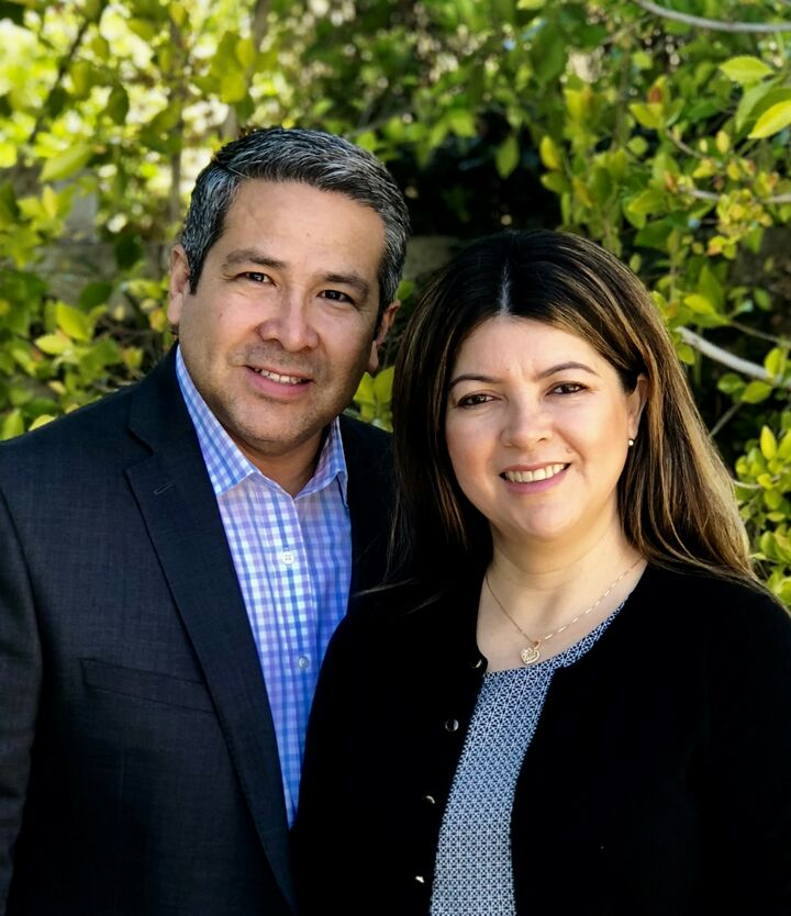 Julio & Rosa Mendoza, Broker-Realtors in Valencia, Pinnacle Estate Properties