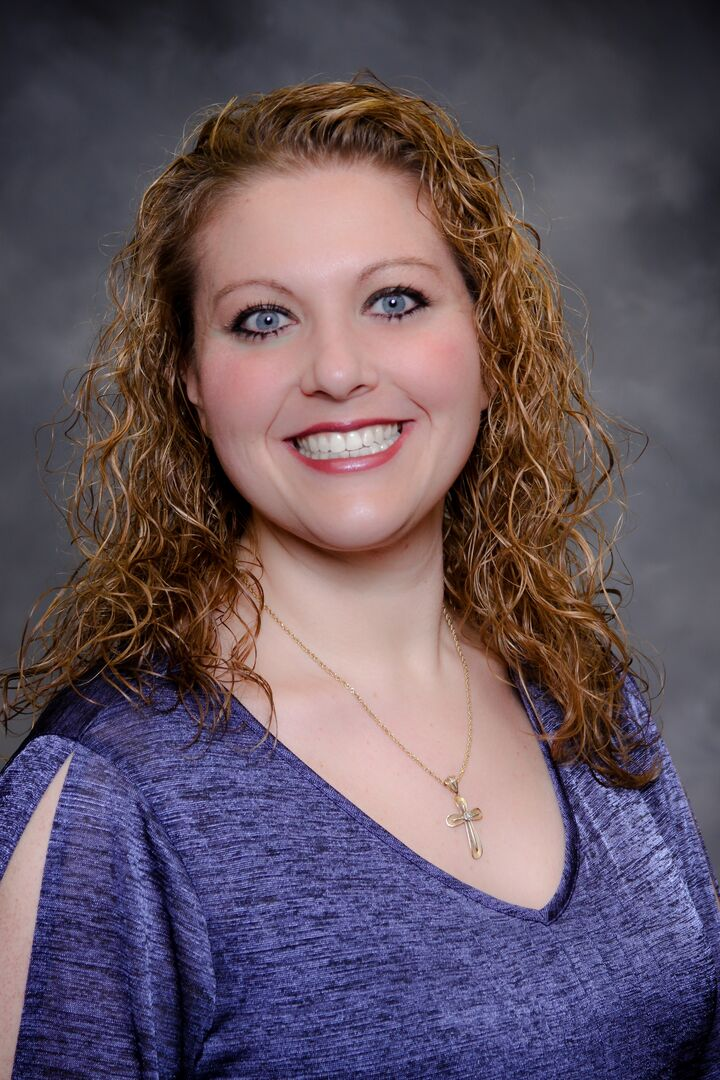 Teresa Bacon Oviatt, REALTOR/Property Manager, Relocation Specialist, SIRVA Relocation/Ninja in Henderson, Windermere